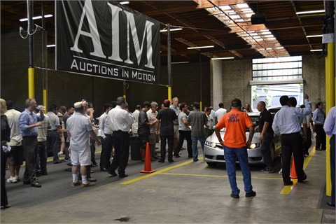 Crowds gather for the Thousand Oaks, Calif., AIM auction.