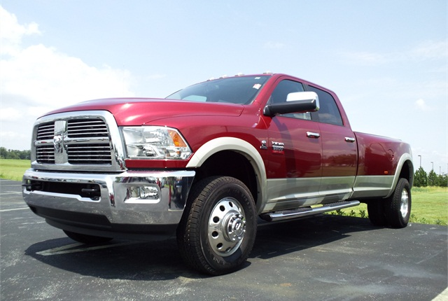 Photo of 2011 Ram 3500 via Wikimedia.